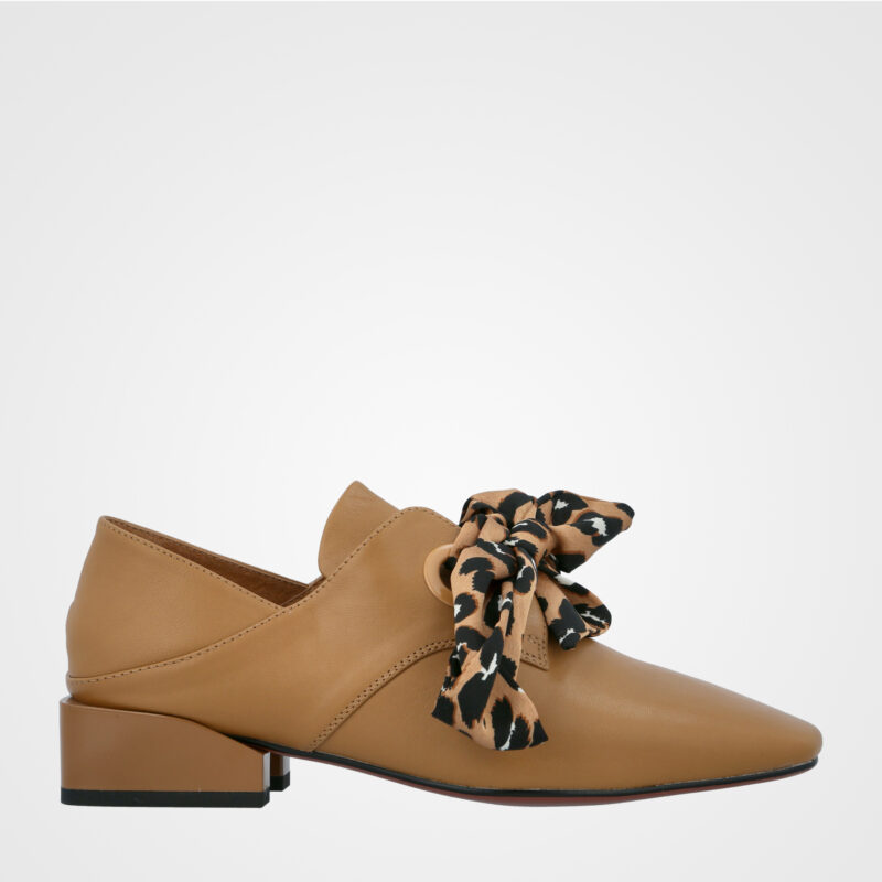 נעלים עקב נמוך